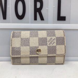 Sold Louis Vuitton damier azur luxury 6 key holder